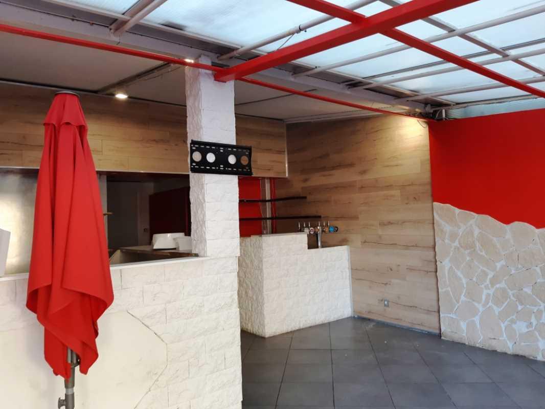 Locaux commerciaux - SAINT AYGULF